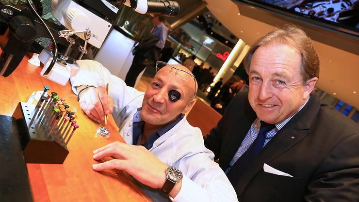 Ernst Adam (rechts) ist Inhaber der Adam Uhren Bijouterie in Olten. An der Baselworld , war er unter anderem zu Besuch bei Blancpain, der ältesten Uhrenmanufaktur der Schweiz.