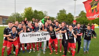 Der aktuelle Axpo Aargauer Cupsieger FC Klingnau nach dem Finalsieg 2018 gegen den FC Suhr.