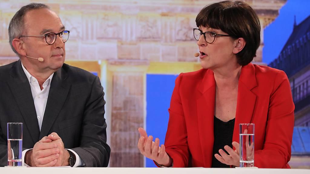 Koalitionskritiker setzen sich bei SPD-Vorsitz durch