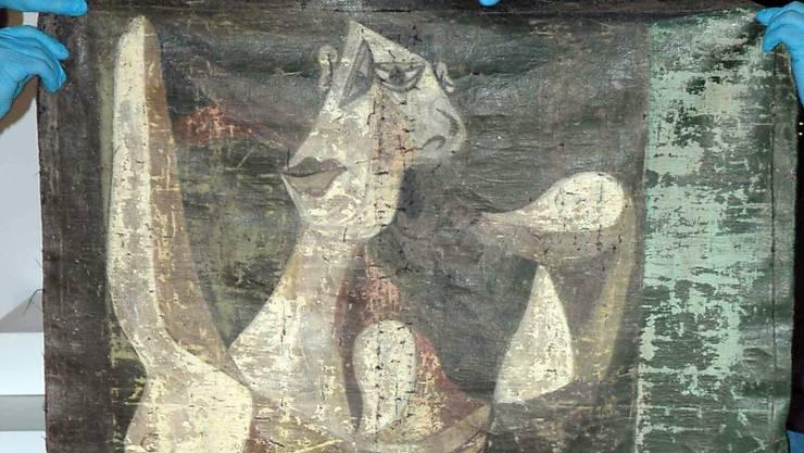 """Das von der Polizei in Istanbul sichergestellte Gemälde """"Femme se coiffant"""" ist eine Fälschung von einem Werk von Pablo Picasso. Das Original hängt unversehrt im Museum (Archiv 30.1.16/Bildausschnitt)"""
