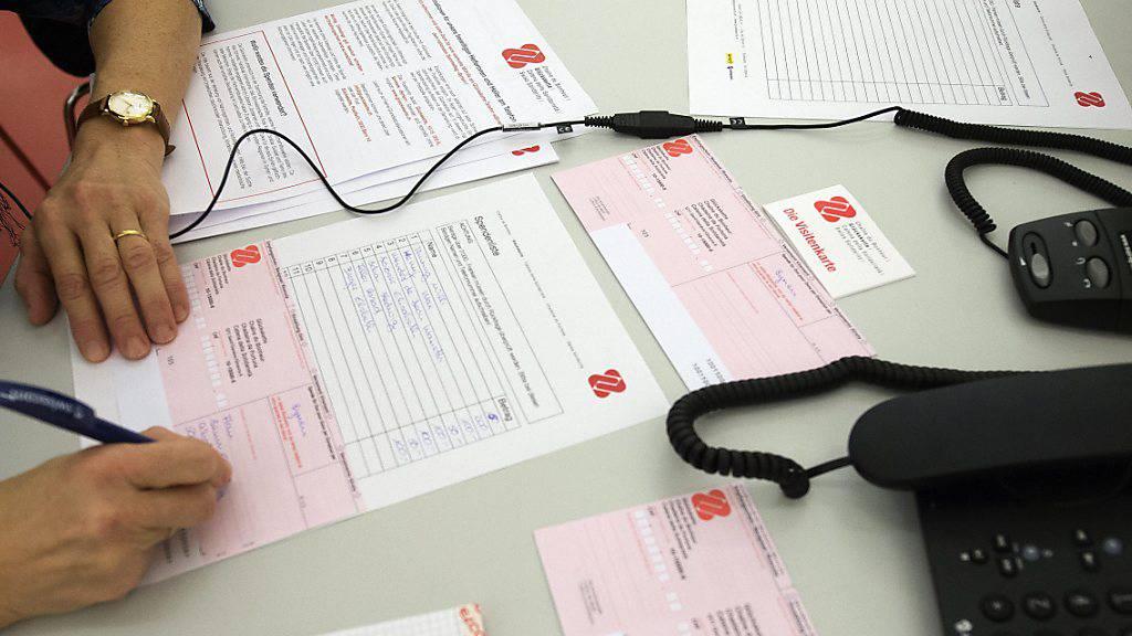 Die Glückskette sammelt für Menschen in der Schweiz, die wegen des Coronavirus in eine Notlage geraten sind. (Archivbild)