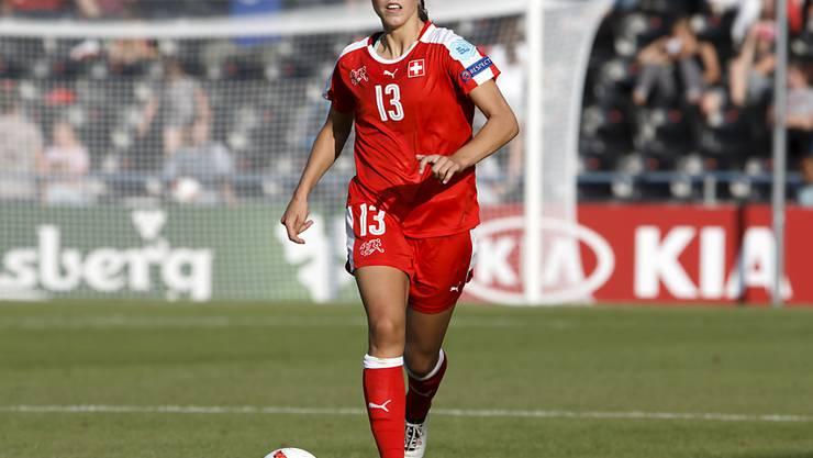 Captain Lia Wälti strebt mit der Schweizer Frauen-Nationalmannschaft die Teilnahme an der EM-Endrunde 2021 in England an