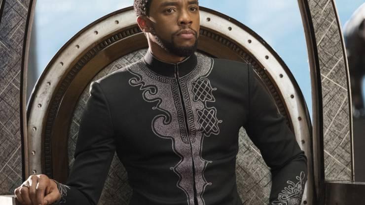 """Chadwick Boseman in einer Szene des Superheldenfilms """"Black Panther"""", der in Nordamerika das Wochenende vom 22. bis 25. Februar 2018 beherrschte. (Archiv)"""