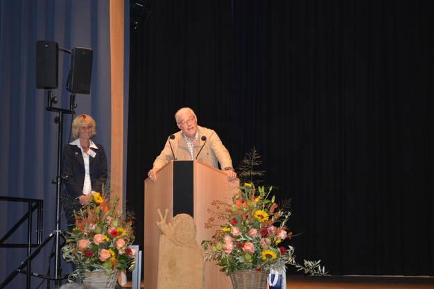 Neuehof feiert die Einweihung der neuen Schulanlage.
