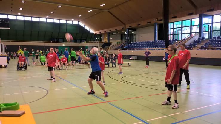das Team von PluSport Solothurn in Aktion