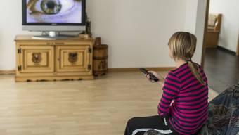 Wie viele Zuschauer sich eine Sendung ansehen, wird derzeit nicht bekannt gegeben (gestellte Szene, Symbolbild)