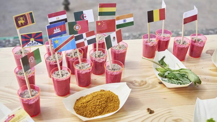 Die Suppe bestand aus 60 Zutaten aus ebenso vielen Ländern.