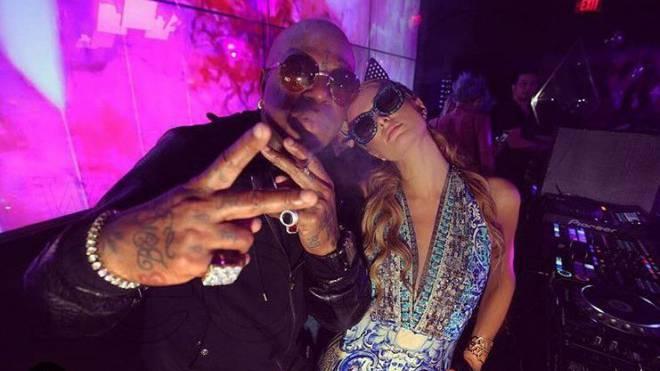 Definitiv nicht Schindellegi: Paris Hilton sonnt und feiert in anderen Weltgegenden. Foto: Instagram