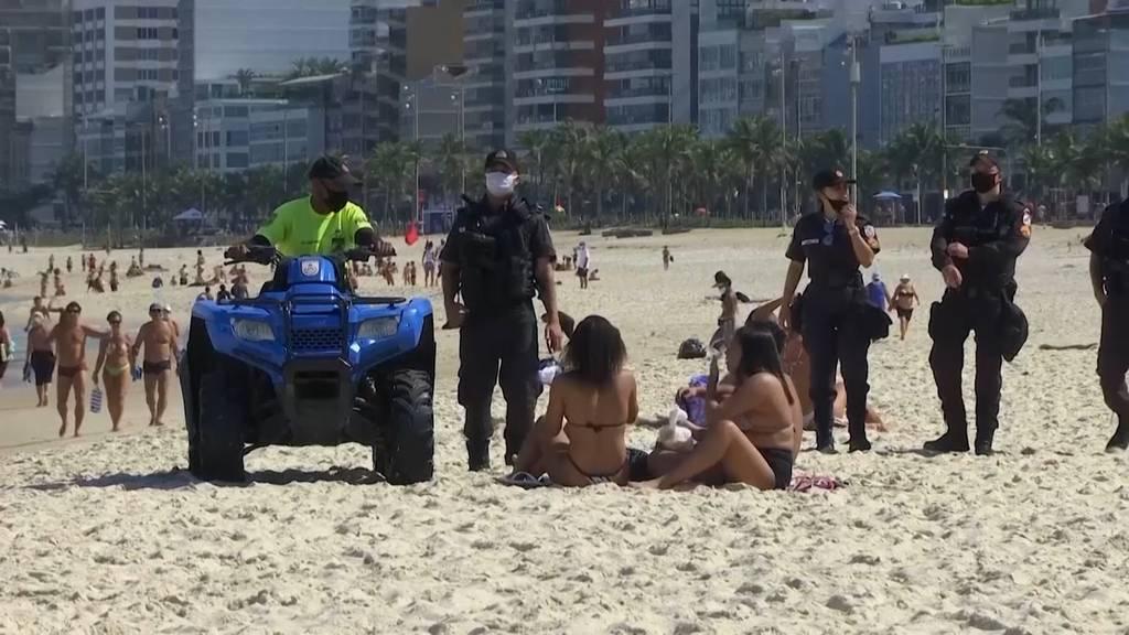 Rio: Geldstrafe für Strandbesucher ohne Schutzmaske