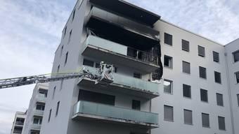 In einer Wohnung eines Mehrfamilienhauses ist ein Feuer ausgebrochen.