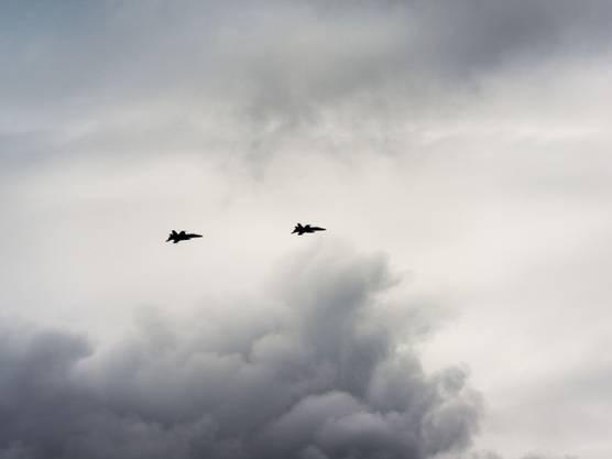 Zwei F/A-18 der Schweizer Luftwaffe über Kerzers (Archiv)