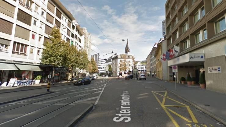 Der Unfallort: Die Steinentorstrasse vor dem Hotel Radisson.