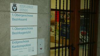 Das Bezirksgericht hat drei Männer wegen des tödlichen Baustellenunfalls von Niederlenz der fahrlässigen Tötung schuldig gesprochen.  (Archiv)