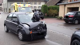 Der Rentner geriet aus noch nicht geklärten Gründen in einer Kurve nach links und prallte frontal in einen Richtung Stein fahrenden Personenwagen.