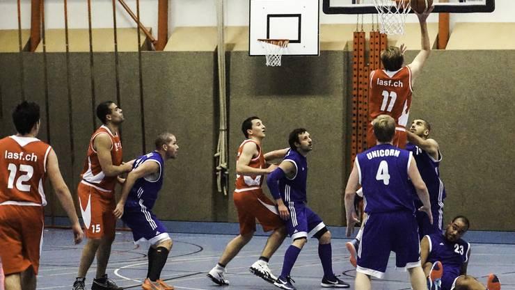 Unicorn gehen gegen Emmen Basket als Verlierer vom Feld.