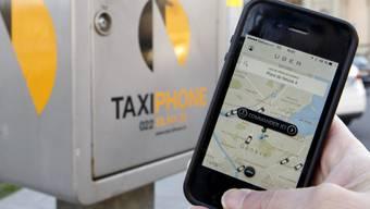 Ein Smartphone mit dem Uber-App