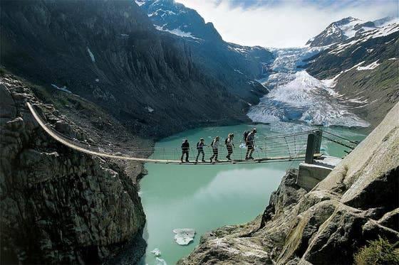 Trift-Hängebrücke in Gadmen – Länge: 170 Meter Höhe: 100 Meter Eröffnung: 2009