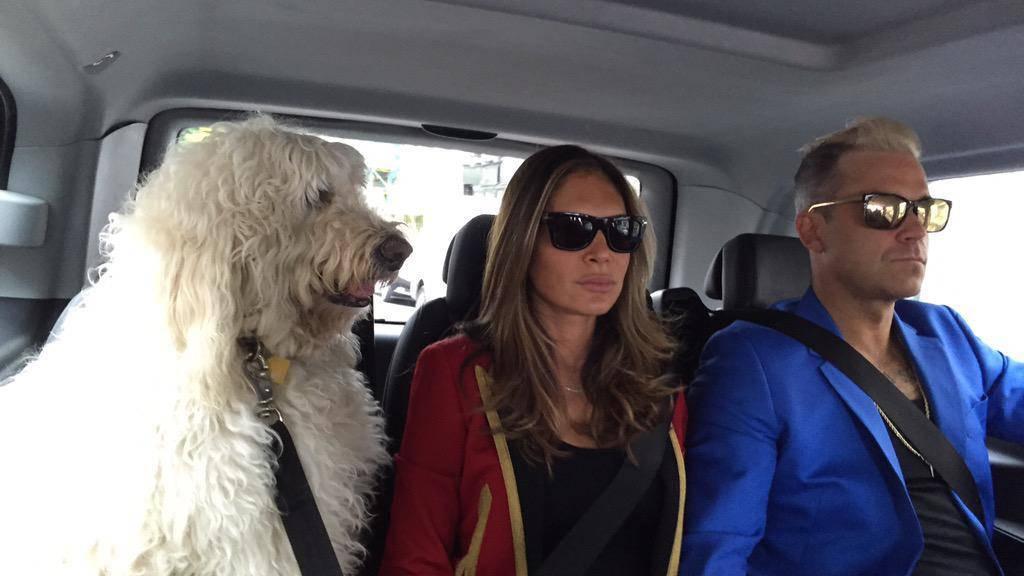 Er ruhe in Frieden: Spencer Williams mit Herrchen Robbie und Frauchen Ayda (Twitter).
