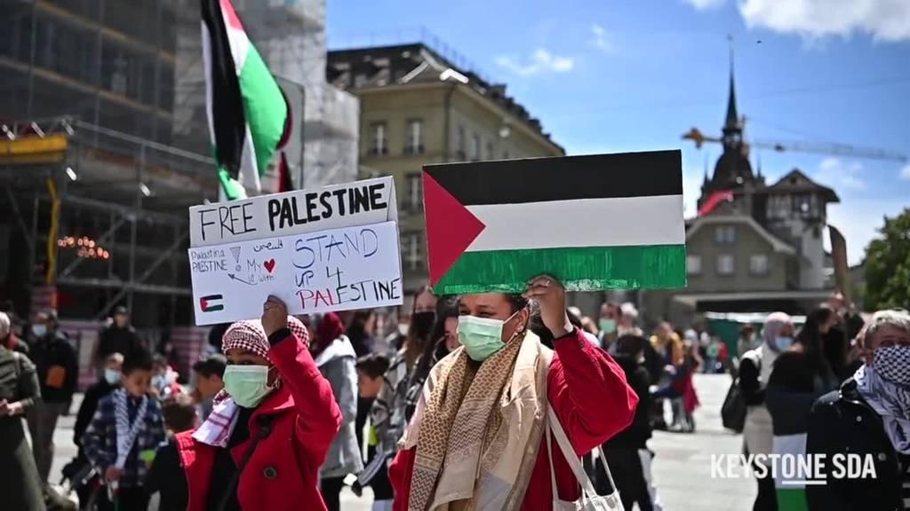 Gut 100 Menschen an Solidaritätskundebung für die Palästinenser
