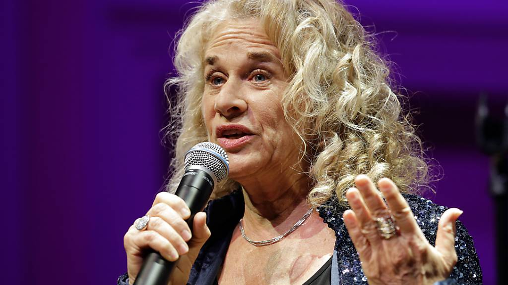 Carole King schreibt Hitsong «So Far Away» in Corona-Krise um