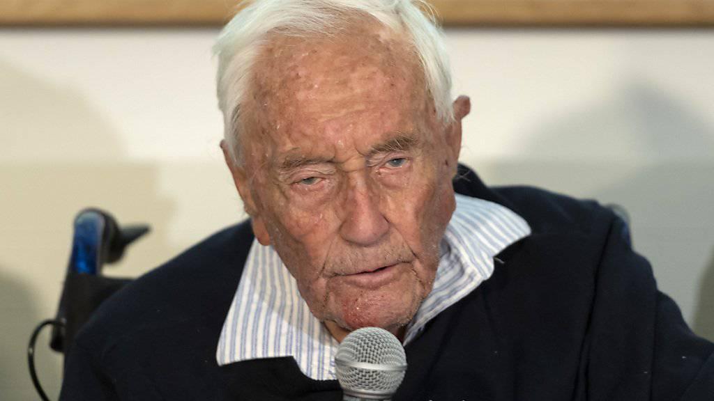 Meist verläuft die Begleitung von Menschen in den Tod in aller Stille. Nicht so im Fall des 104-jährigen australischen Wissenschaftlers David Goodall, der sich medienwirksam zu seinen Gründen geäussert hatte. (Archivbild)