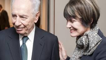 Israels Staatspräsident Shimon Peres und Bundespräsidentin Micheline Calmy-Rey in Genf