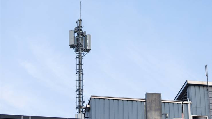 Die Helliker Bevölkerung möchte keine 5G-Mobilfunkanlage – im Bild die Antenne in Baden – im Dorf.