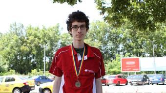 Jan Schär (Kantonsschule Olten, SO) aus Schönenwerd gewann mit seinem 11. Rang eine Silbermedaille.