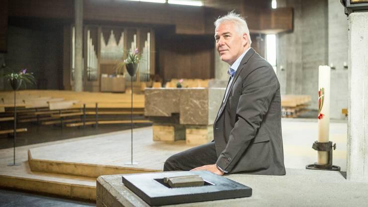 Andreas Pechlaner, Präsident der Ortskirchen- pflege, ist stolz auf die denkmalgeschützte Kirche.