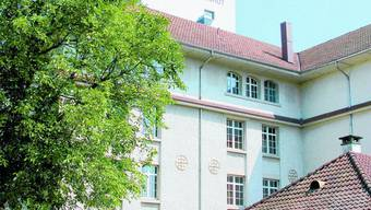 Fahne auf Mühle Landshut: Ist sie gehisst, findet das Waldfest Utzenstorf statt.