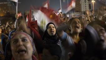 Wieder bevölkern Tausende Menschen den Tahrir-Platz in Kairo