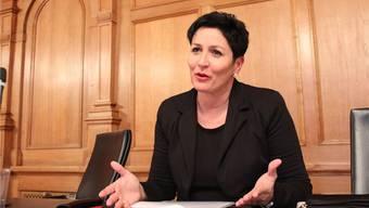 Nationalrätin Daniela Schneeberger fordert umfangreiche steuerliche Entlastungen, um den Wegfall der Privilegien für Statusgesellschaften zu kompensieren. ZVG