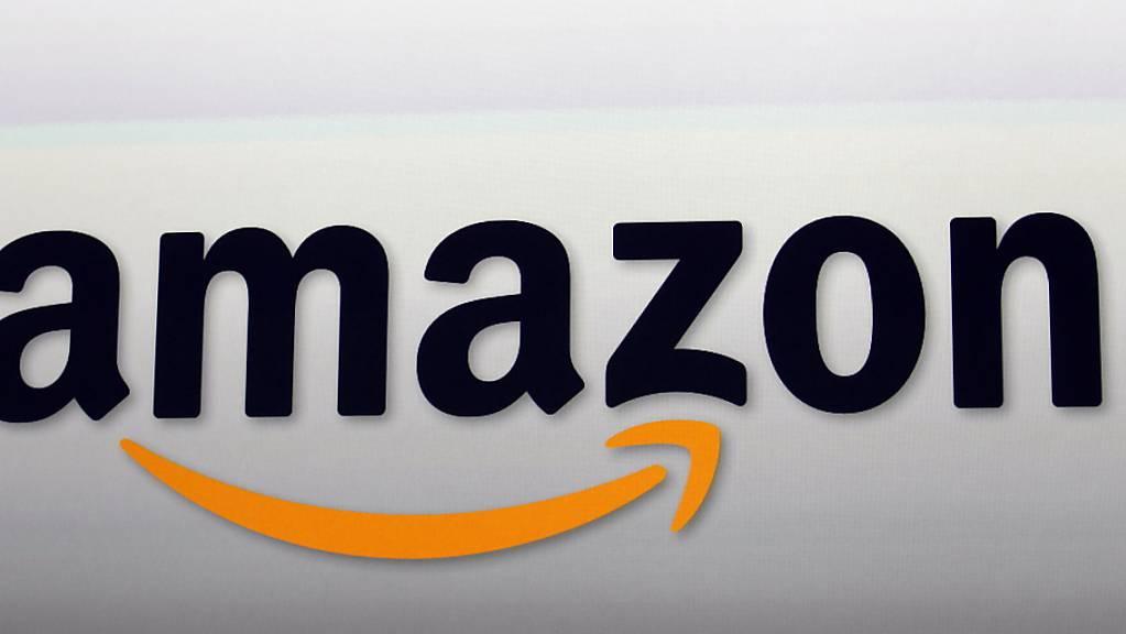 Der US-Internetriese Amazon stellt ebenso wie die Versandkonzerne Zalando und Next seine Zusammenarbeit mit dem englischen Distributor Boohoo ein. Boohoo steht wegen Lohndumping am Pranger. (Archivbild)