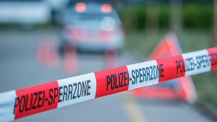 Ein Anwohner bemerkte das Gasleck und alarmierte die Polizei und Feuerwehr. (Symbolbild)