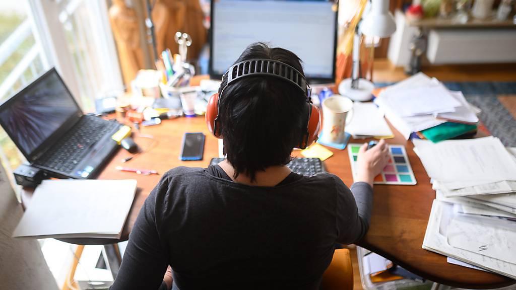Nationalrat fordert gesetzliche Regeln für Telearbeit beim Bund