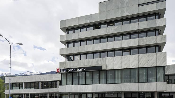 Unruhige Zeiten bei der Schwyzer Kantonalbank: Bankratspräsident Kuno Kennel tritt per sofort zurück. (Archivbild)