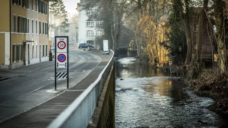 Es dient der Verbindung zwischen den Quartieren und zum angrenzenden Landschaftsraum. Das Gebiet entlang dem Aabach soll «als urbaner Freiraum erhalten und ökologisch entwickelt» werden.