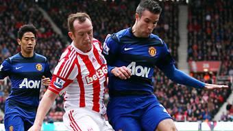 Robin van Persie (rechts) traf per Penalty zum 2:0 für den Leader