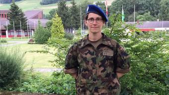 Sabine Herold in ungewohnten Kleidern: im Tarnanzug der Schweizer Armee. VBS