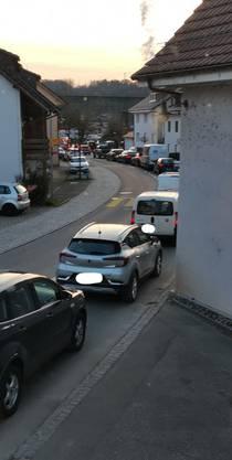 In Koblenz staut sich der Verkehr – auch im Dorf.