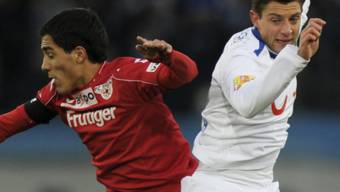 FCZler Philippe Koch (r.) mit Thuns Oscar Scarione im Zweikampf
