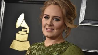Adele ist überzeugt, dass ihr 31. ein sehr gutes Jahr wird. Dies obschon oder gerade weil sie sich von ihrem Mann Simon Konecki getrennt hat. (Archiv)