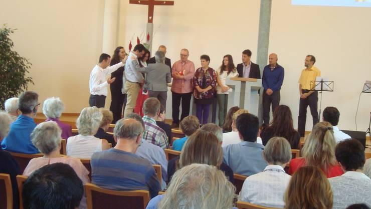 Segnung der neuen Mitglieder in der Pauluskirche