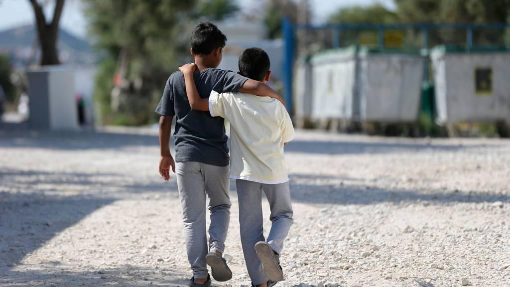 Landeskirchen fordern Evakuierung von minderjährigen Flüchtlingen