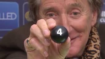 Hat sichtlich Spass: Sir Rod bei der Cup-Auslosung.