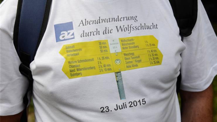 Ein Leserwanderer erschien sogar mit Etappen-Shirt.