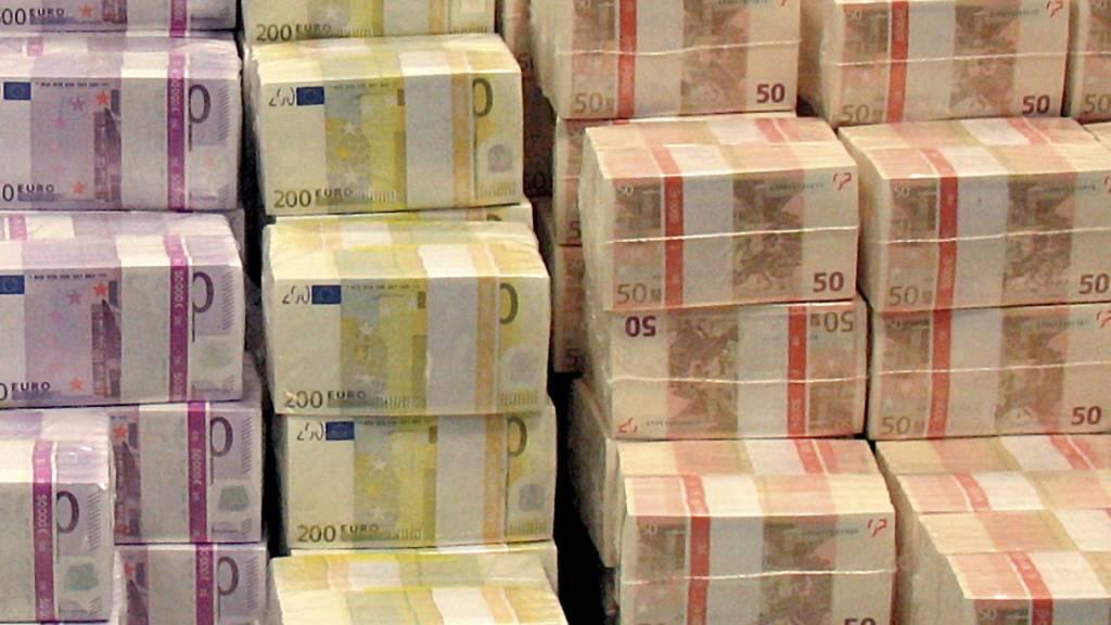 Bundestag beschliesst Nachtragshaushalt - Fast 218 Milliarden Schulden
