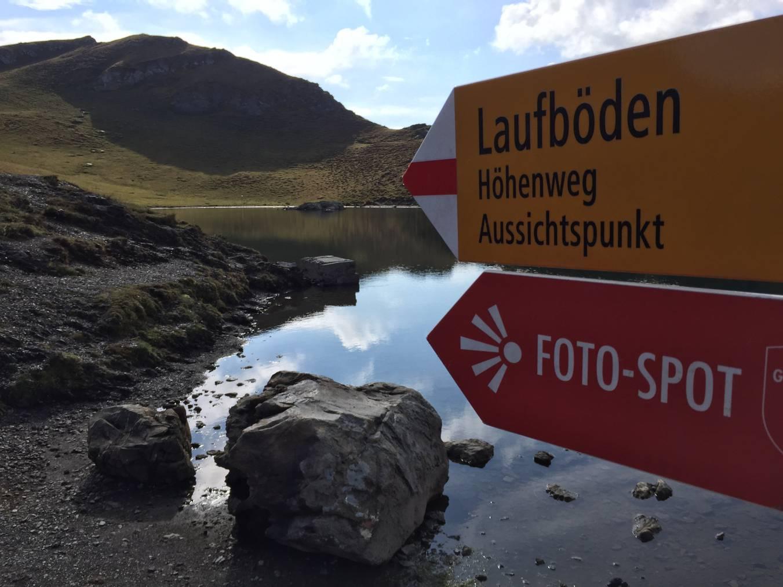 Kleiner Aufwand, grosses Foto: Der erste See von insgesamt fünf, der Wangsersee (Bild: FM1Today/Dario Cantieni)