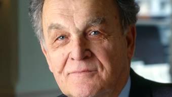 Hier war er gern. Alt Bundesrat Otto Stich, aufgenommen am 6. Januar 2002 im Hotel Engel in Dornach.