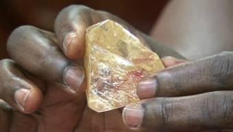 Der Diamant, den Sierra Leone versteigert, gehört zu den grössten je gefundenen. (Archiv)
